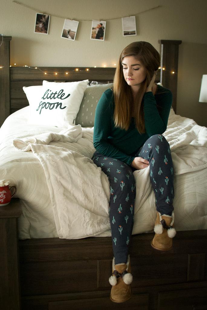 Christmas Leggings and Uggs